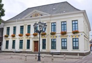 1_Rathaus_a_Adalbert-Oldewurtel